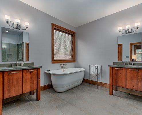 09 VillagePointe109-master bath